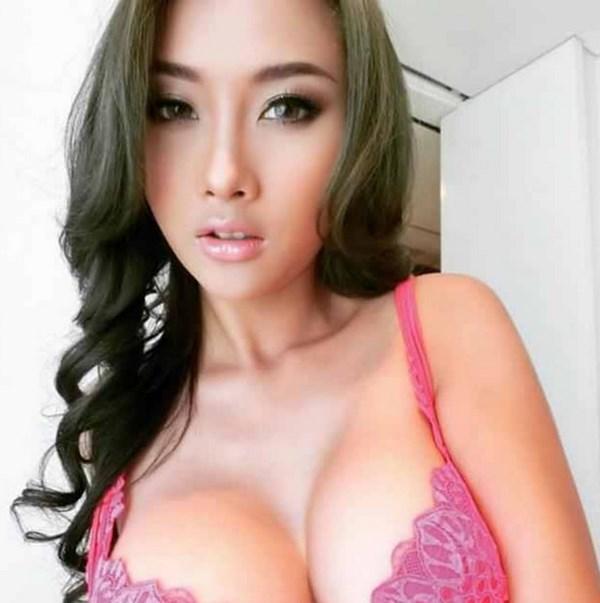 RDV sexe avec une transsexuelle asiatique de Thailande